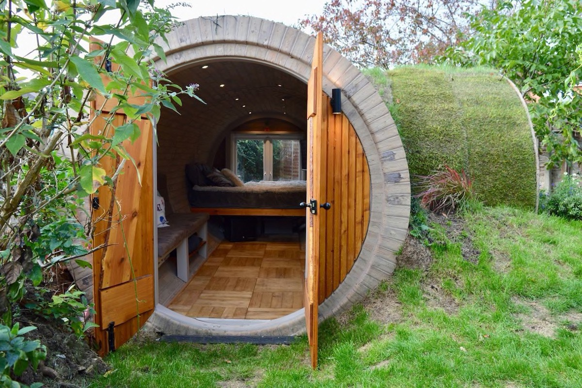Courtesy of Hobbit-style House in Bath / Expedia