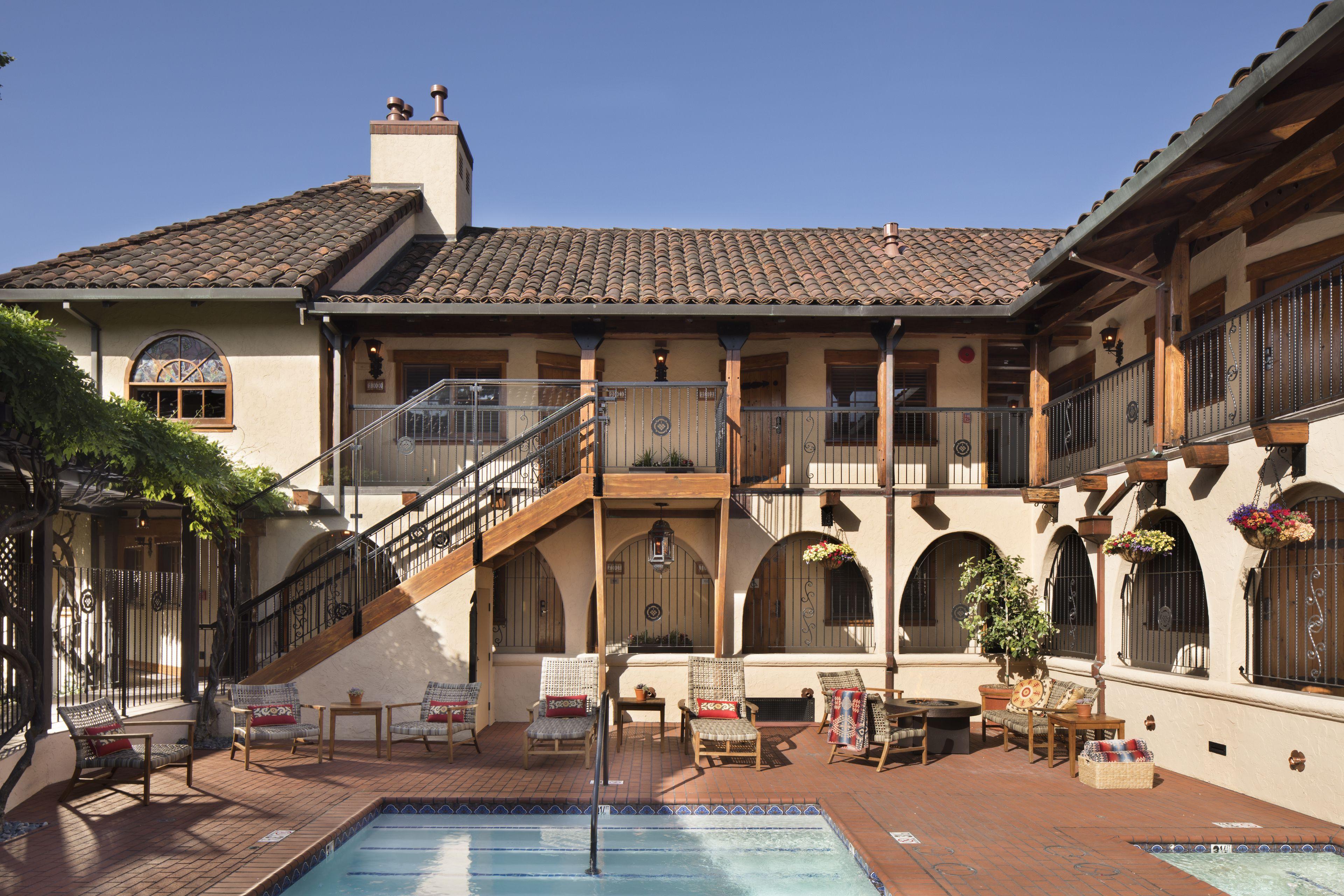 Courtesy of Rancho Caymus Inn / Expedia