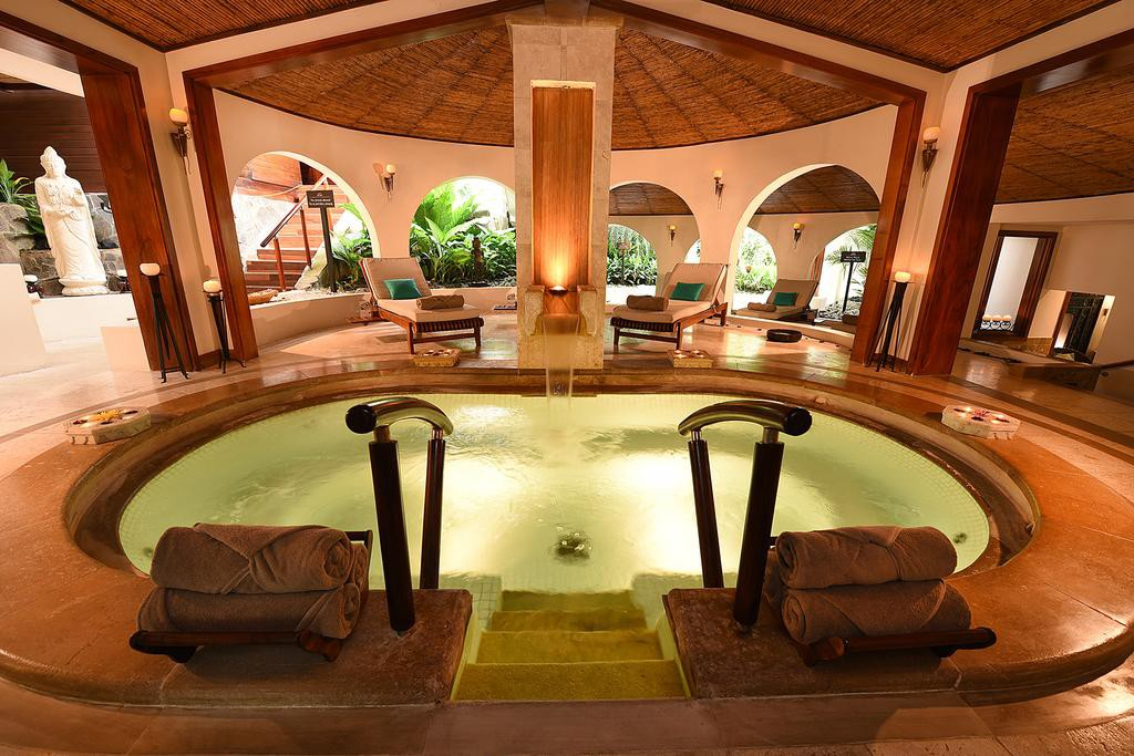 Courtesy of Tabacón Thermal Resort and Spa / Booking.com