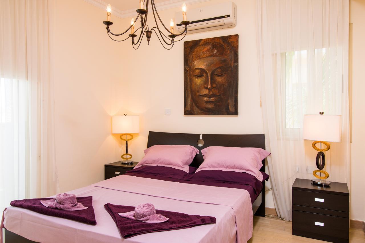 Courtesy of Amadora Luxury Villas / Booking.com