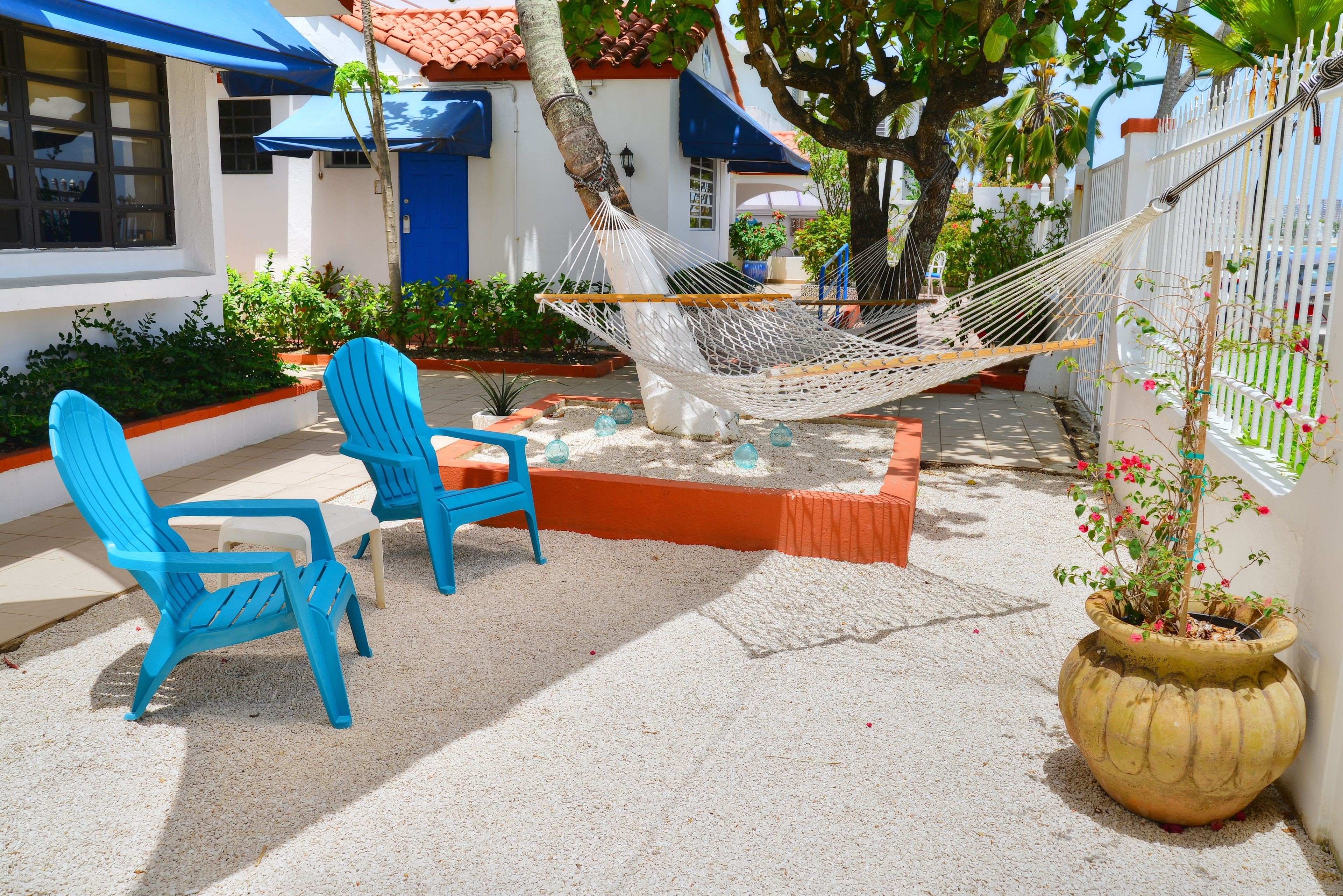 Courtesy of Tres Palmas Inn / Expedia