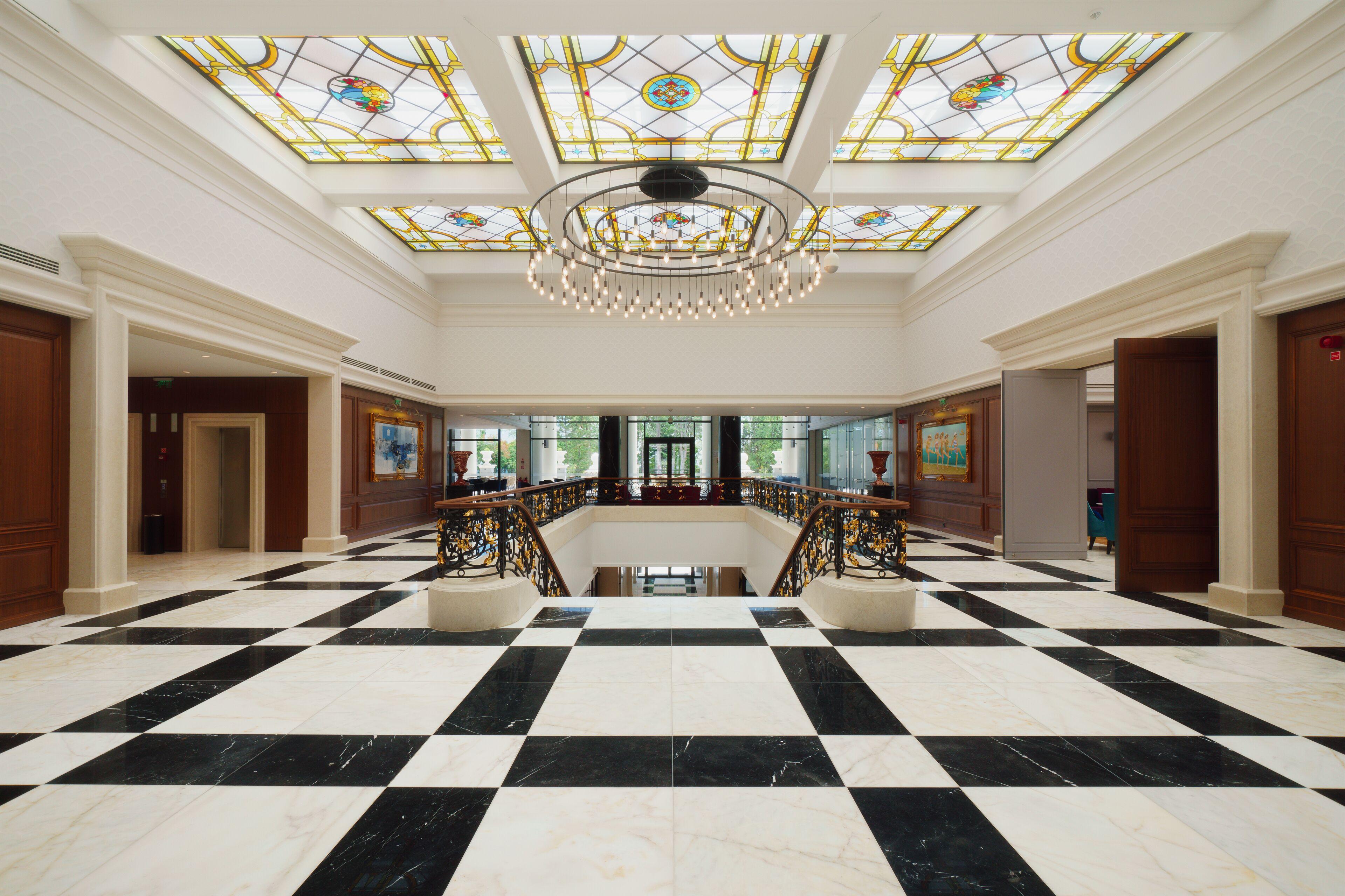 Courtesy of Astor Garden Hotel / Expedia