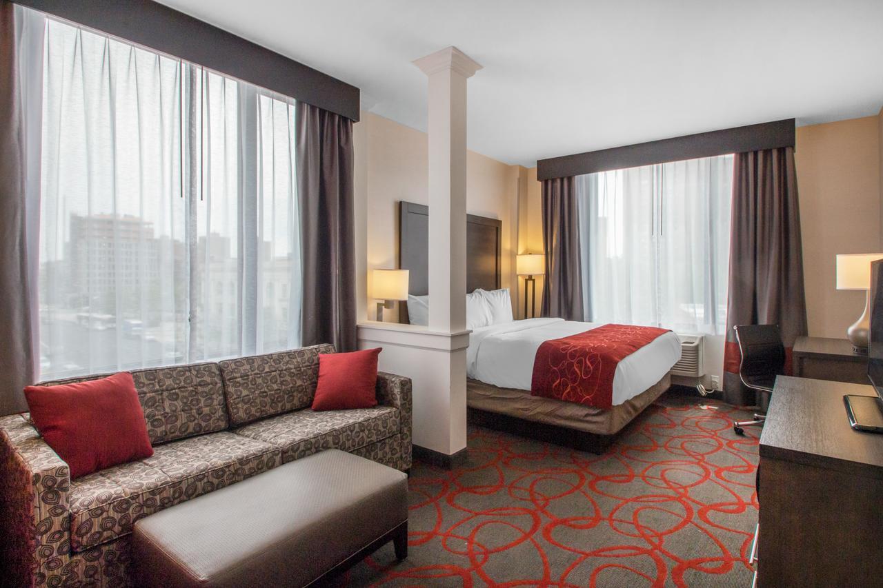 Courtesy of Comfort Inn & Suites near Stadium / Expedia.com