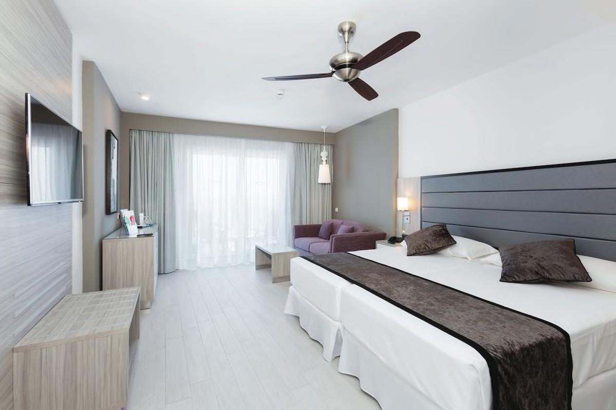 Courtesy of Hotel Riu Palace Tenerife / Expedia