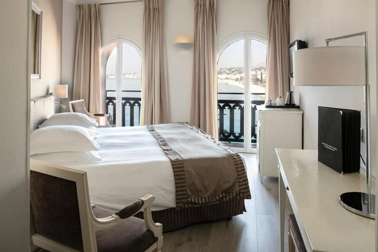 Courtesy of Hôtel Suisse / Booking.com