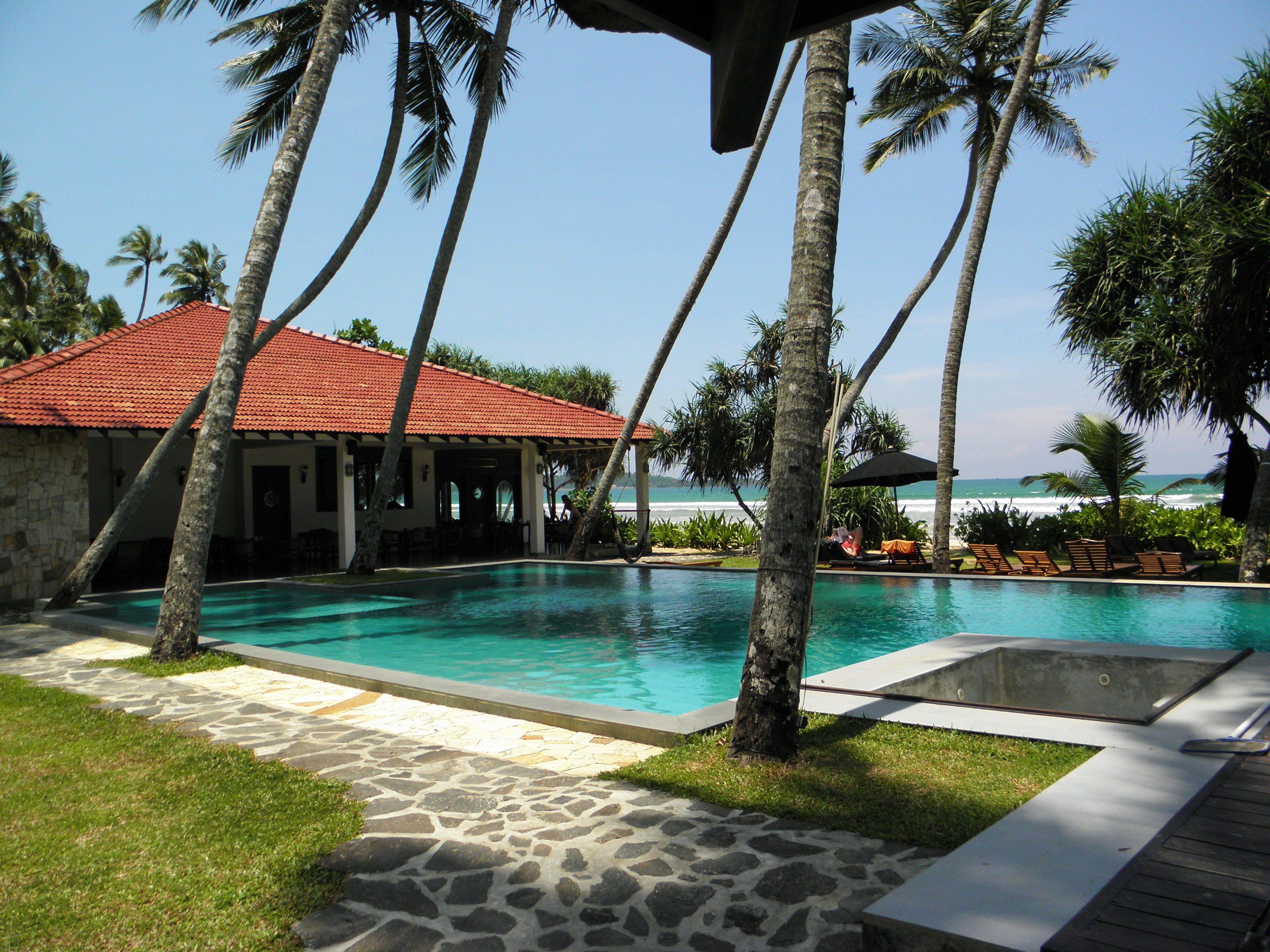 Courtesy of Weligama Bay Resort / Expedia