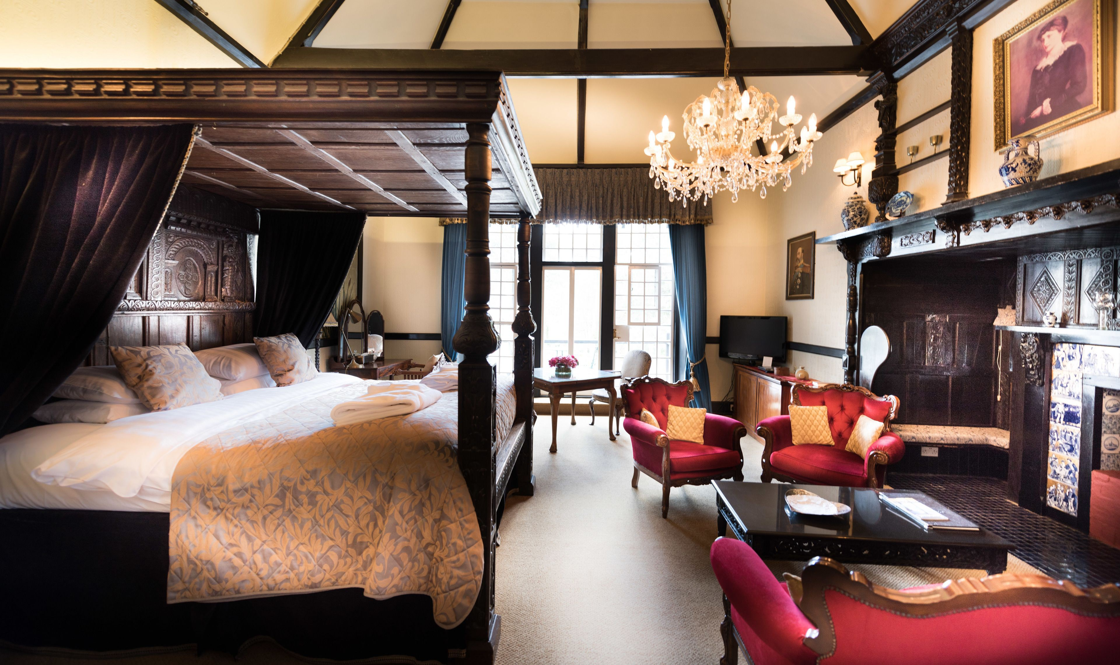Courtesy of Langtry Manor Hotel / Expedia.com