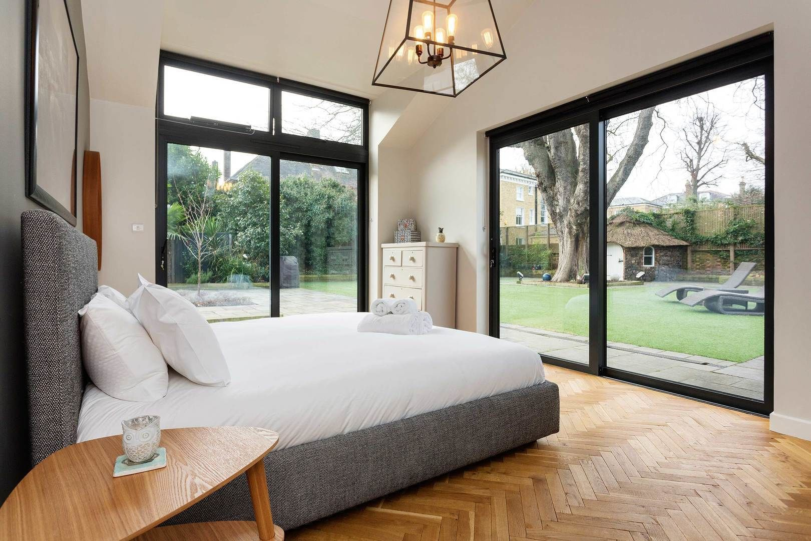 Courtesy of Veeve – the Coach House / Expedia