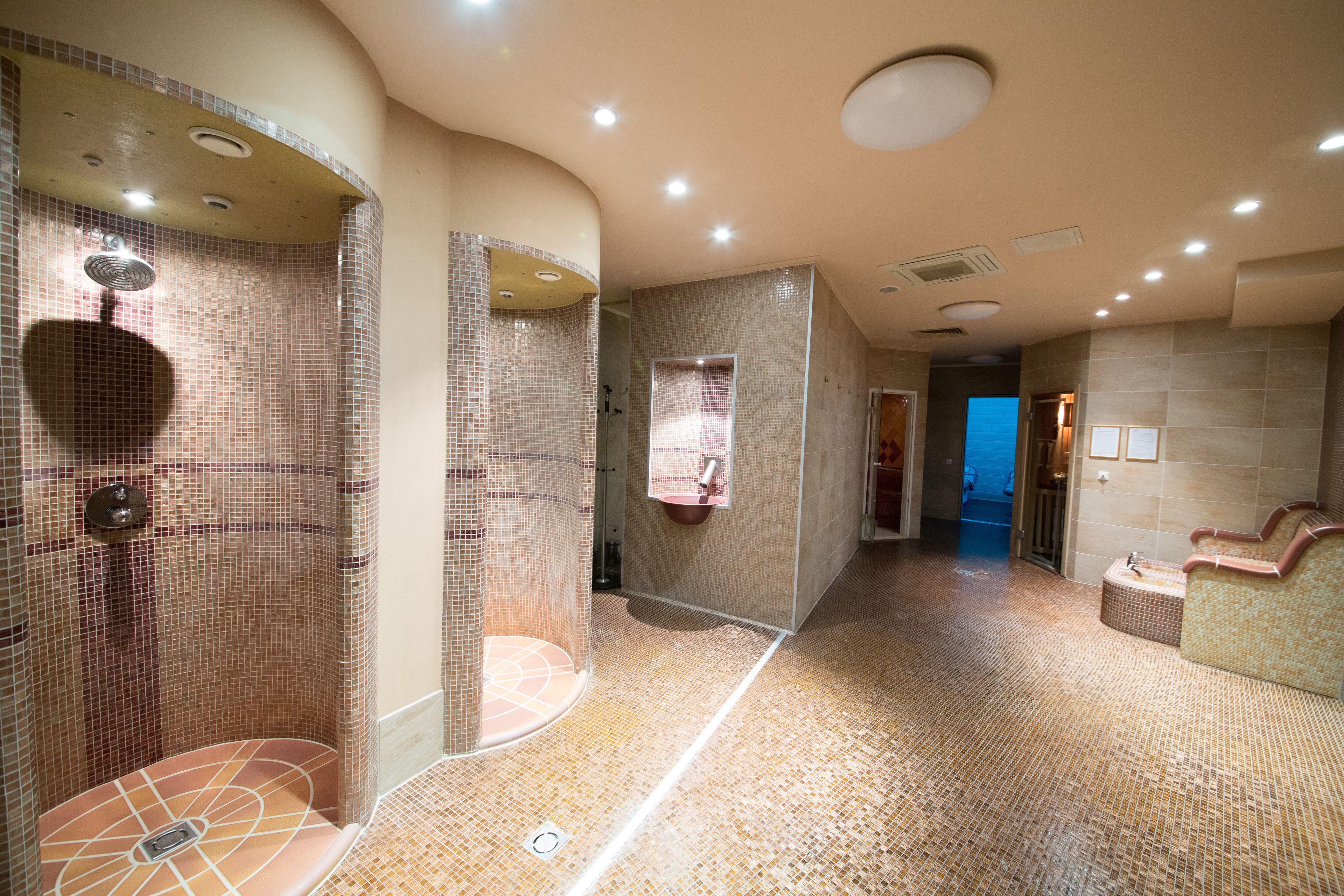 Courtesy of Rosslyn Dimyat Hotel Varna / Expedia