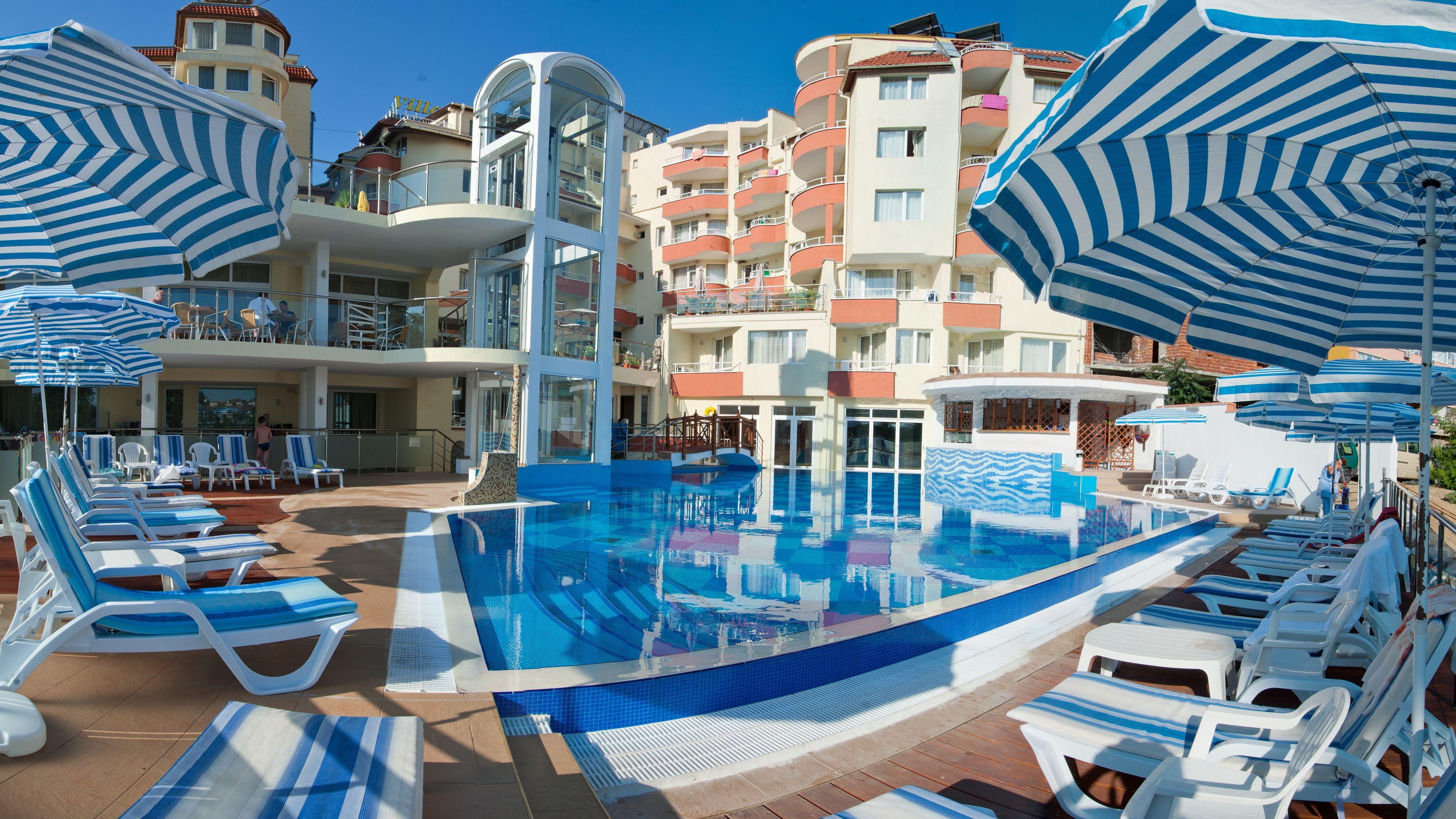 Courtesy of Villa List Hotel / Expedia