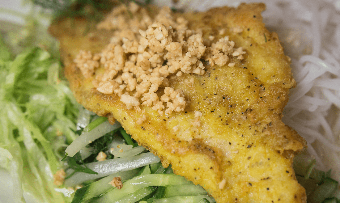 Don't leave without sampling the legendary catfish fresh from the lake © Edsel Little / Flickr