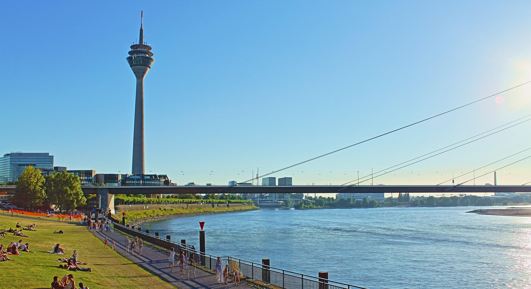 Rheinturm in Düsseldorf   © Philipp/Flickr