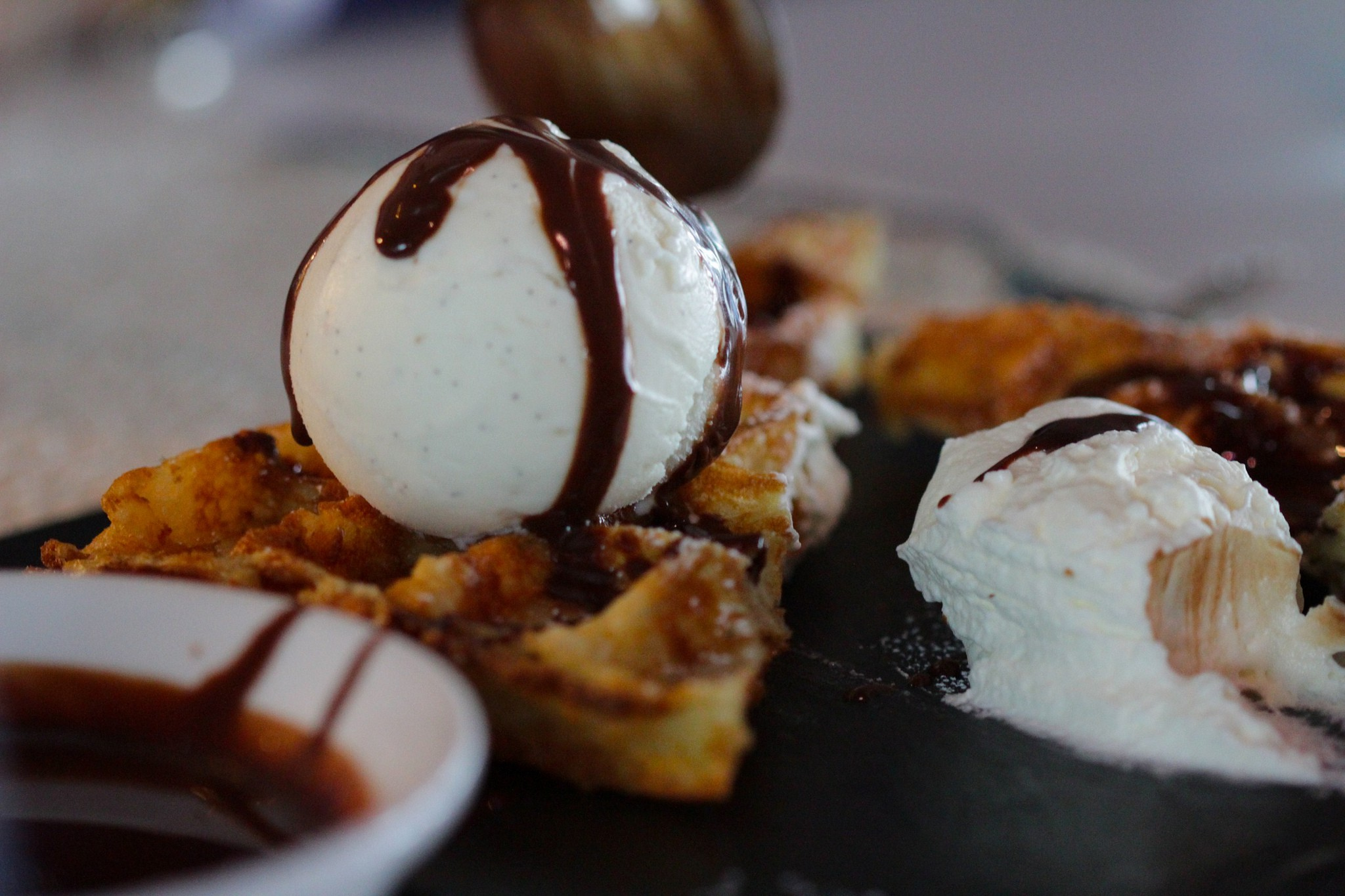 Belgian Waffles and Icecream |© Luigi Mengato/Flickr
