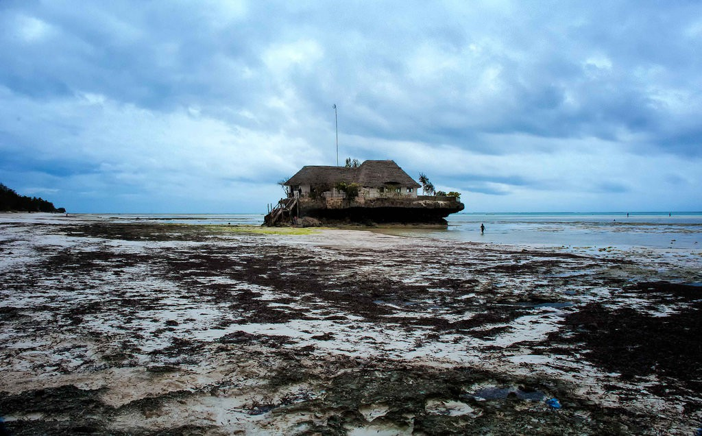 The Rock Restaurant, Zanzibar © Rod Waddington/Flickr