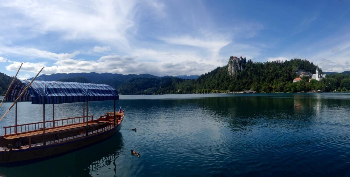 Pletna Slovenian traditional boat on Lake Bled   © Milan Cater
