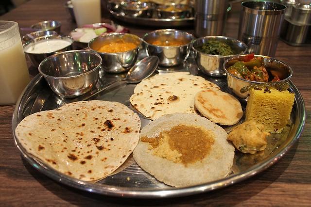 My Rajasthani thali. | © Connie Ma/Flickr