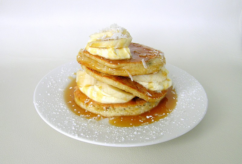 Coconut Pancakes With Bananas And Caramel Sauce | © Jamieanne/flickr