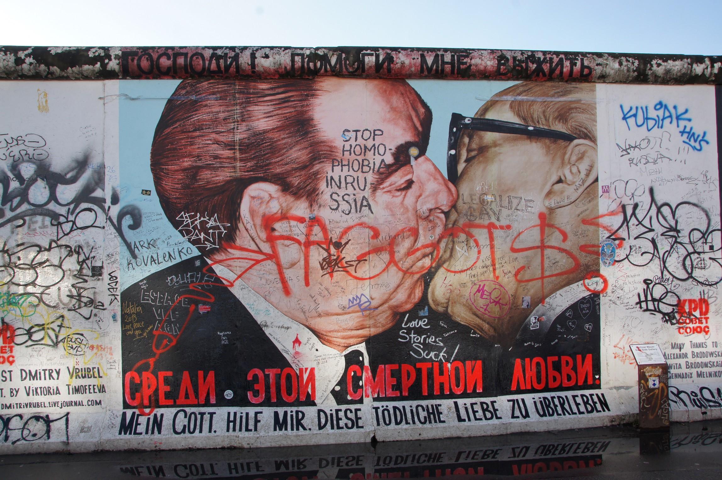 Exploring Berlin's East Side Gallery
