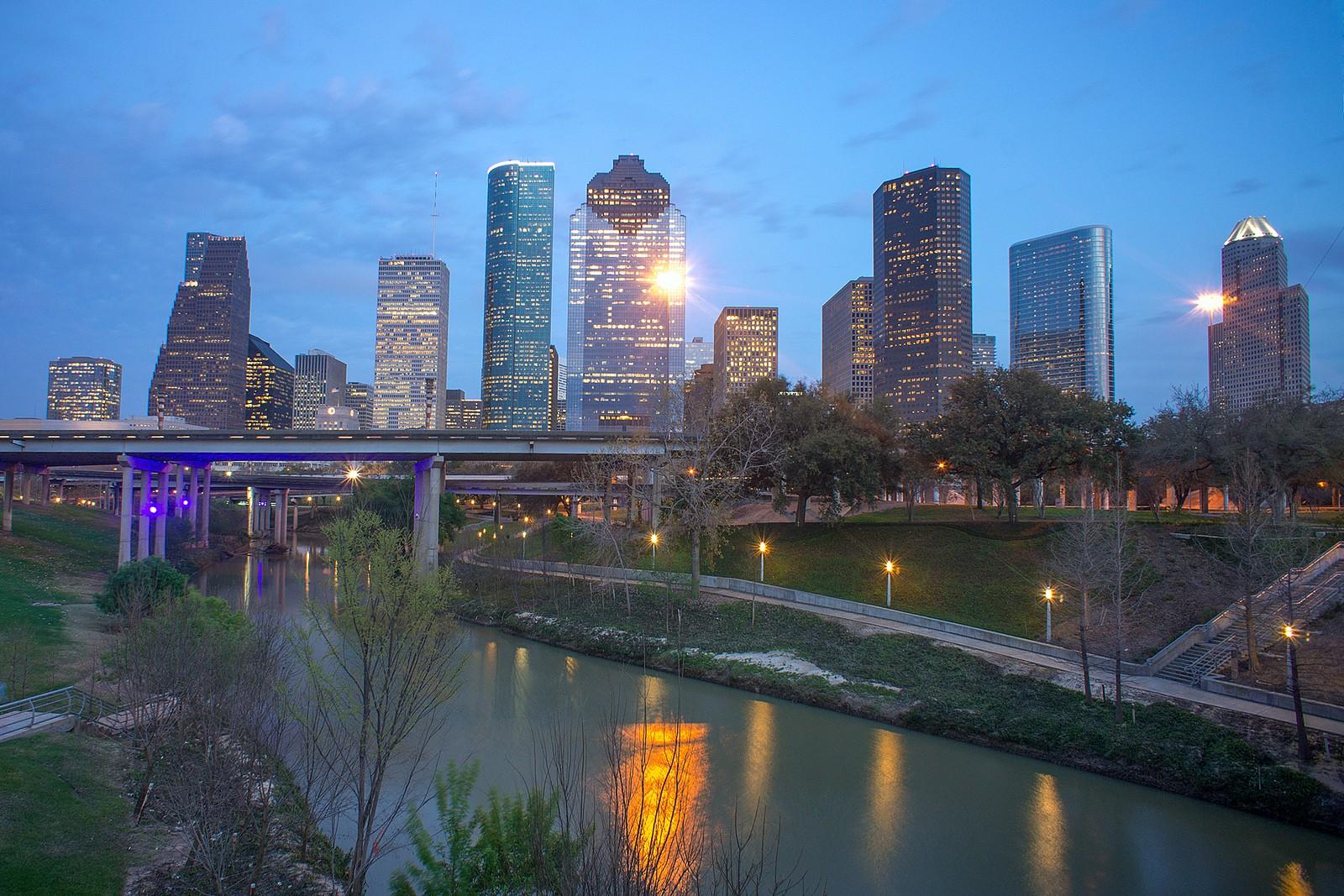 Buffalo Bayou and Houston Skyline   © Katie Haugland/Flickr