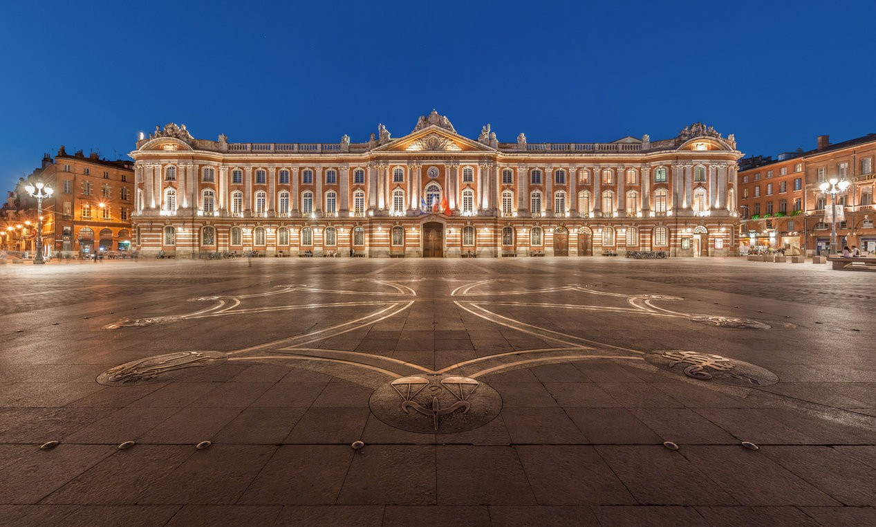 The Capitole and its square at night | © Benh LIEU SONG/WikiCommons
