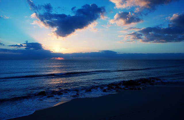 Palm Beach sunrise I © Peter Roome/Flickr