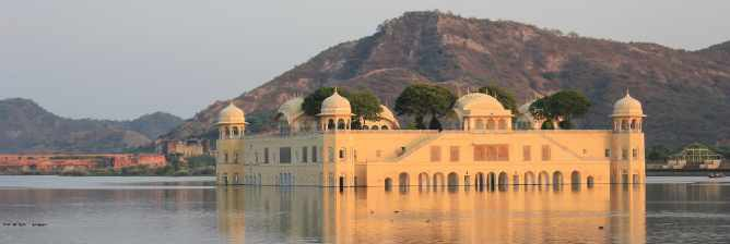 The Top Things to See and Do in Central Palace District, Jaipur