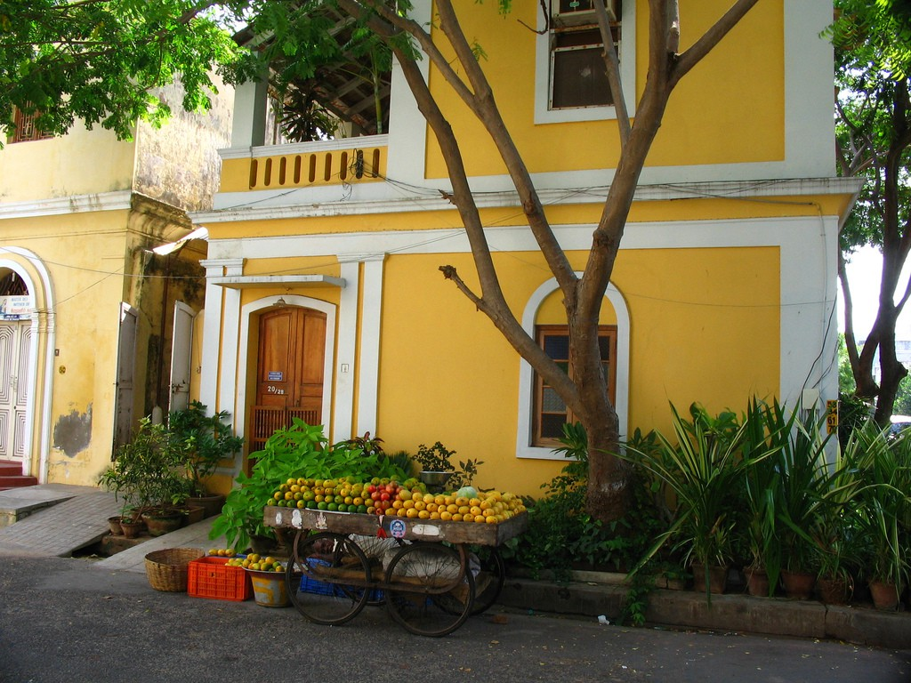 The famous yellow house of Pondicherry | ©Flickr/jay8085