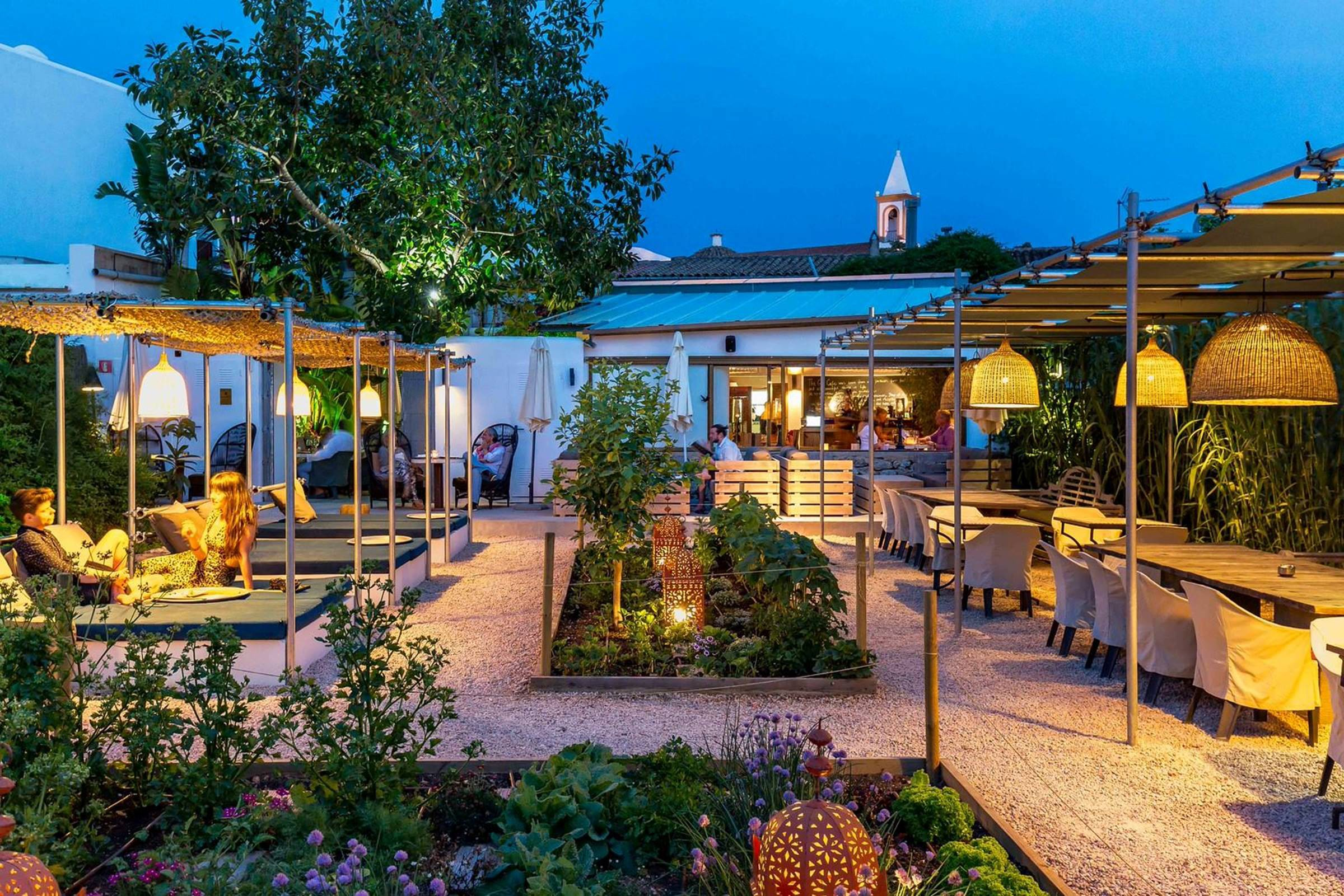 Giri Café Garden | Courtesy of Giri Café