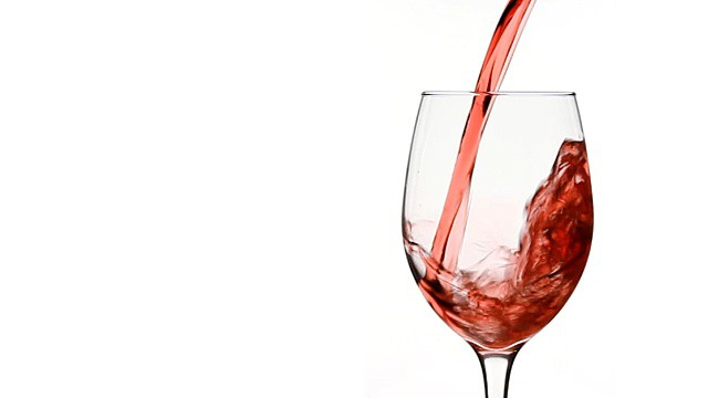 Pouring Red Wine in to Wine Glass | © Dave Dugdale/Flickr