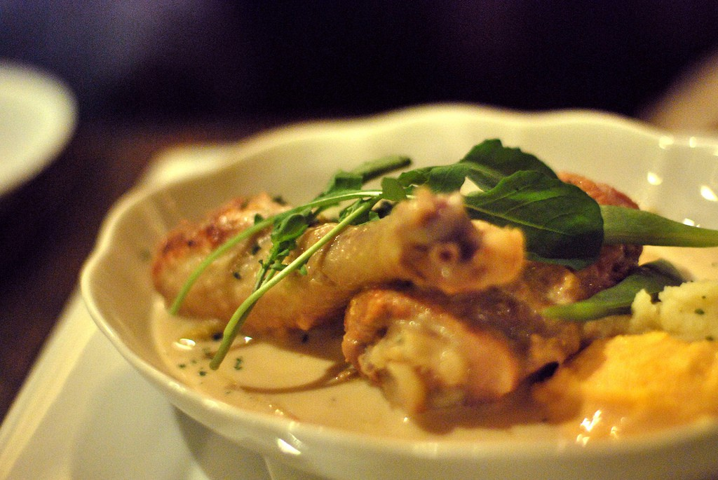 Waterzooi, a creamy and classic Flemish stew perfect for chilly seasons | © Yumi Kimura/Flickr