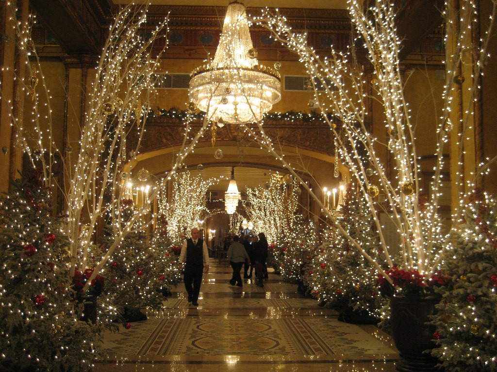 Roosevelt Hotel New Orleans lobby entrance | ©