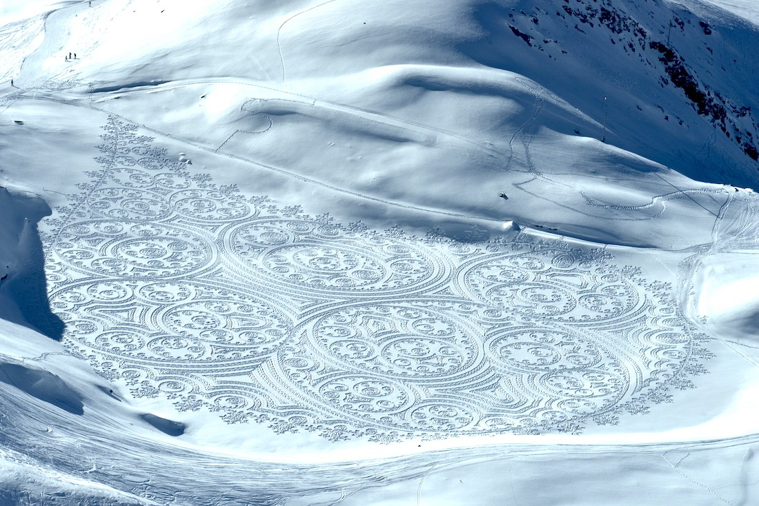 This Artist Walks 20 Miles To Create Geometric Patterns In The Snow