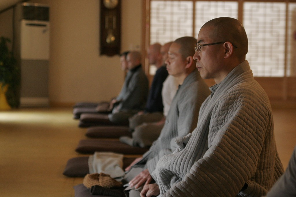 Monks Meditating | © sellyourseoul / Flickr