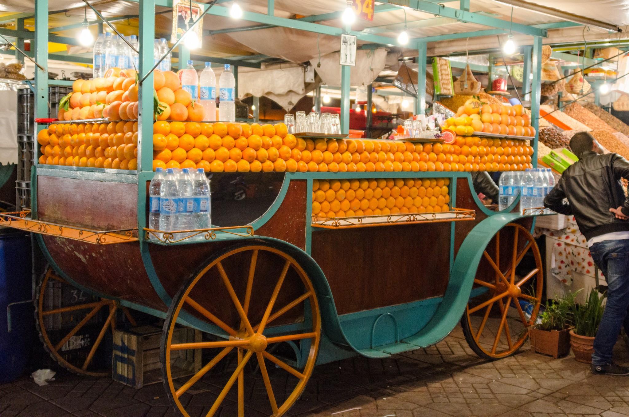 Orange juice vendor in Marrakesh | © xiquinhosilva / Flickr