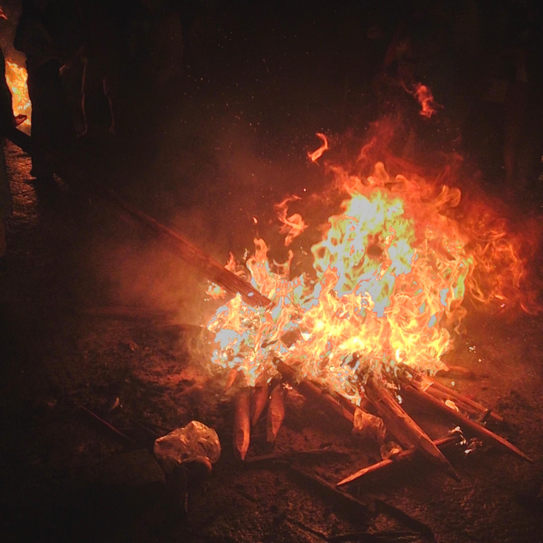 Torch Lighting | ©Jessica Larson