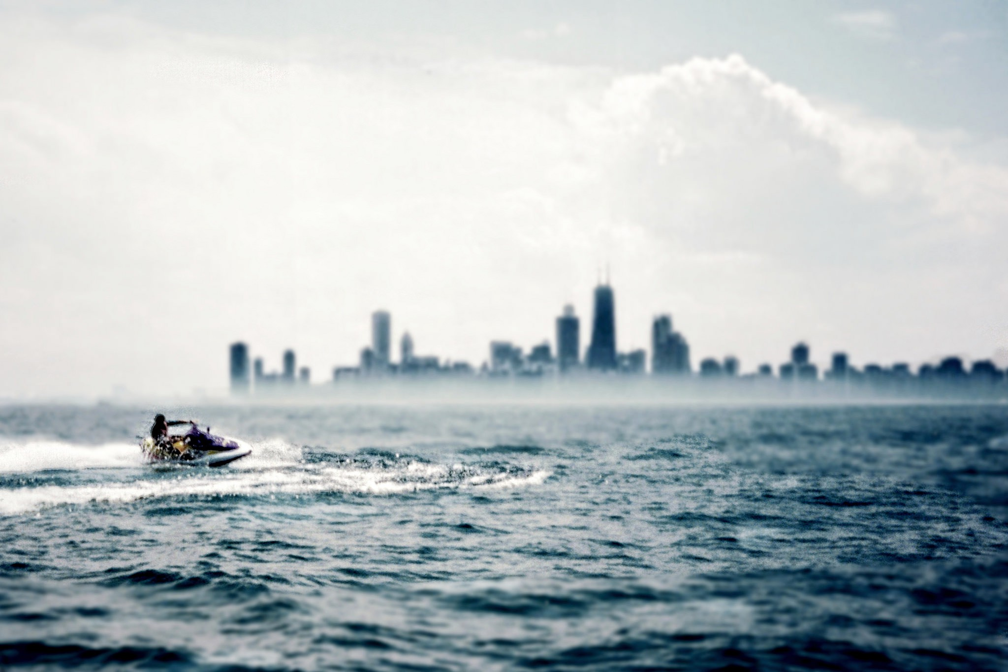 "<a href=""https://www.flickr.com/photos/blok70/26489220463/"" target=""_blank"">Jet skiing on Lake Michigan 