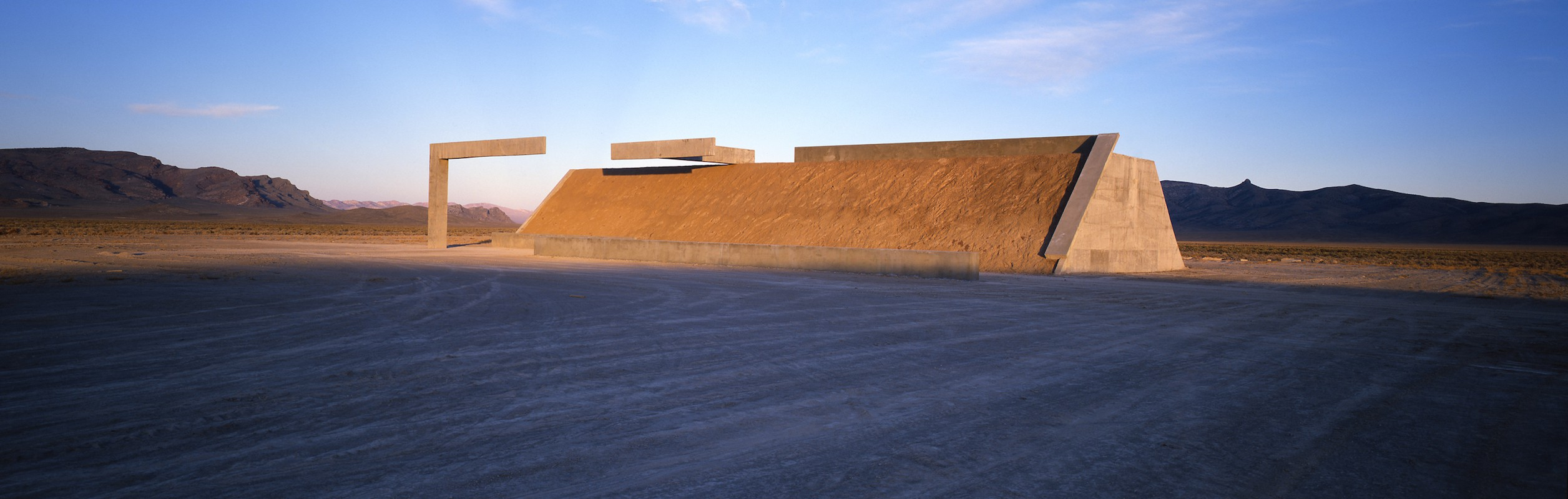 Michael Heizer, Complex One of City,1972-ongoing |© Michael Heizer/Tripple Aught Foundation