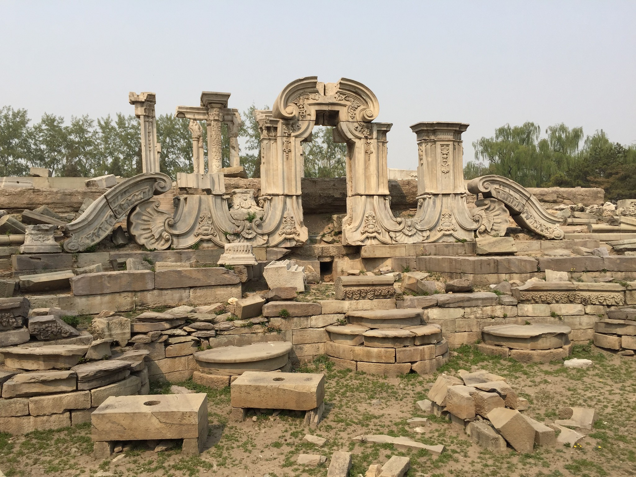 Ruins of the Old Summer Palace  | © David Baron/Flickr