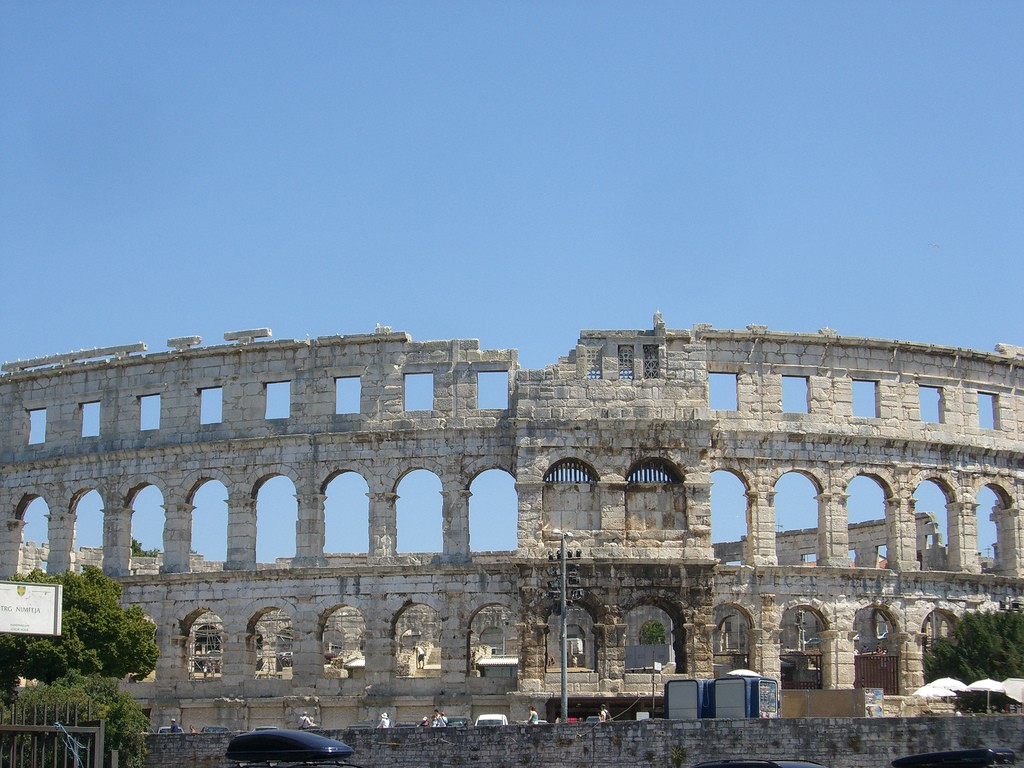 Pula Amphitheatre   © Peter Collins/Flickr