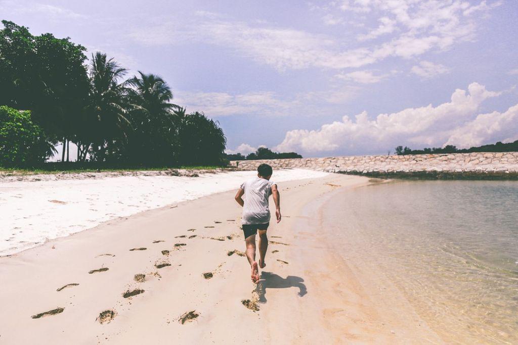 Jogging on Beach © Unsplash / pixabay