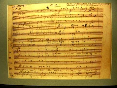 Requiem Mass in D minor in Mozart's own handwriting  ©JelloSheriffBob / Wikimedia Commons