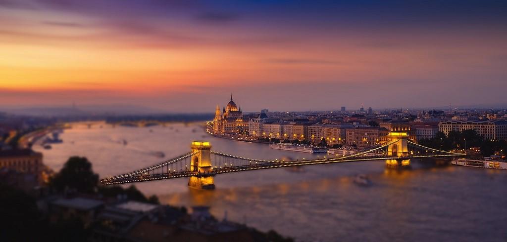 Budapest sunset I © Walkerssk/Pixabay