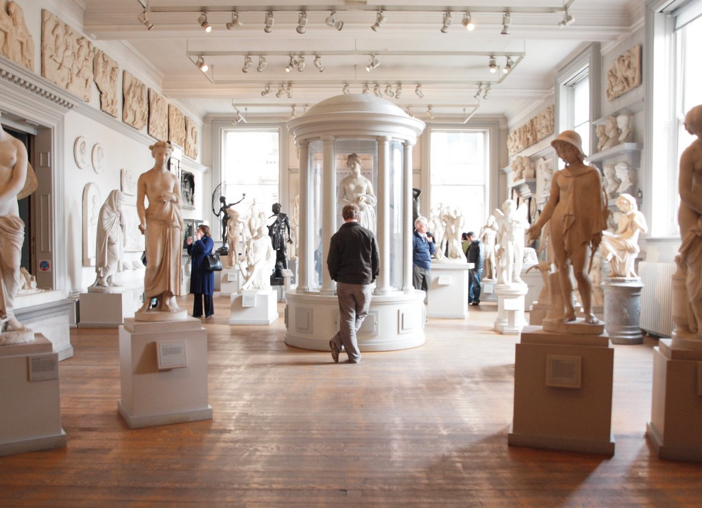 Statue Room, Walker Art Gallery | © Arthur John Picton/Flickr