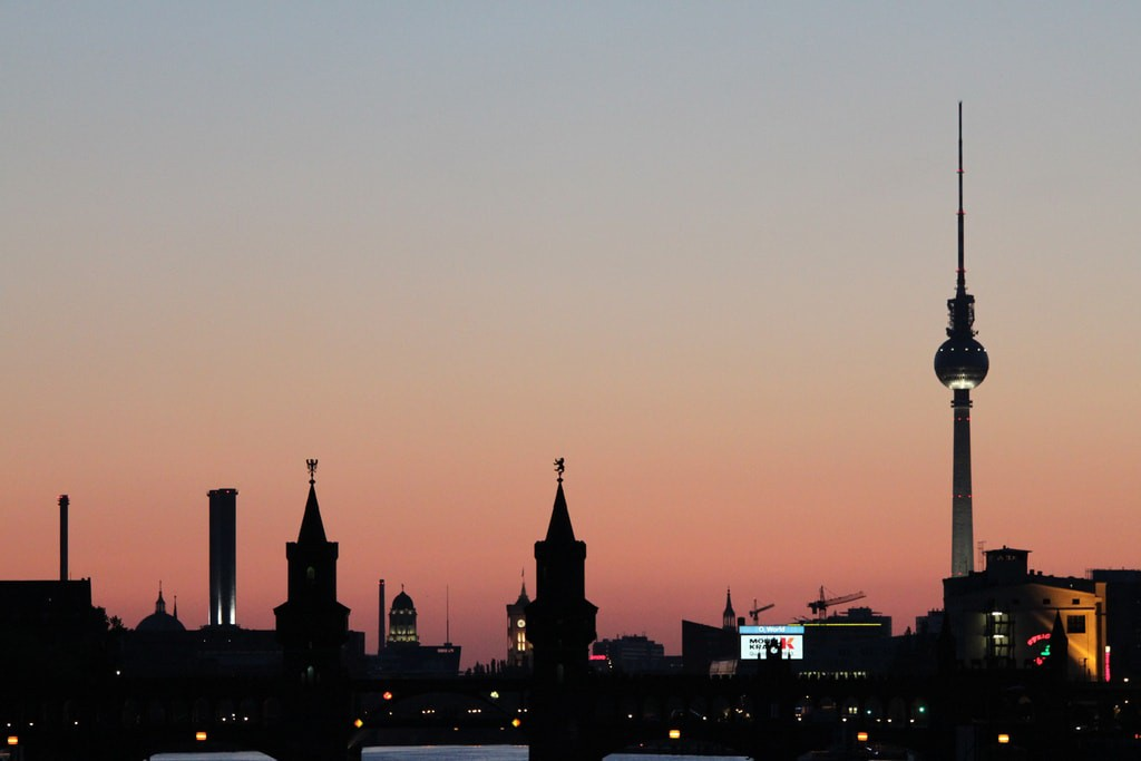 Berlin by Night   © Der Robert / Flickr