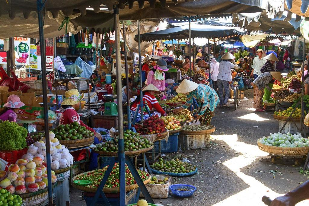 Produce Market | © Urban Life & Travel Photography