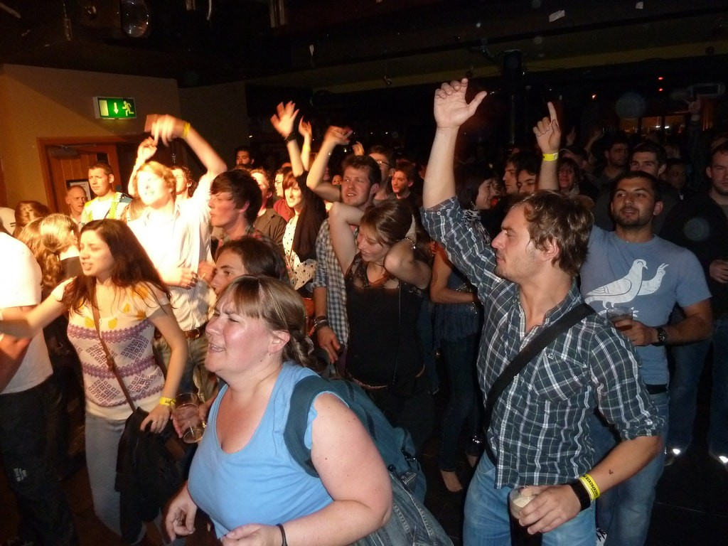 Party-goers on a hostel outing | © Barnacles Budget Accommo/Flickr