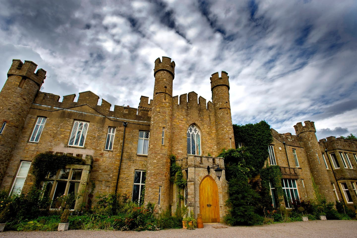 Fairytale Castles to Stay in   ©  Airbnb