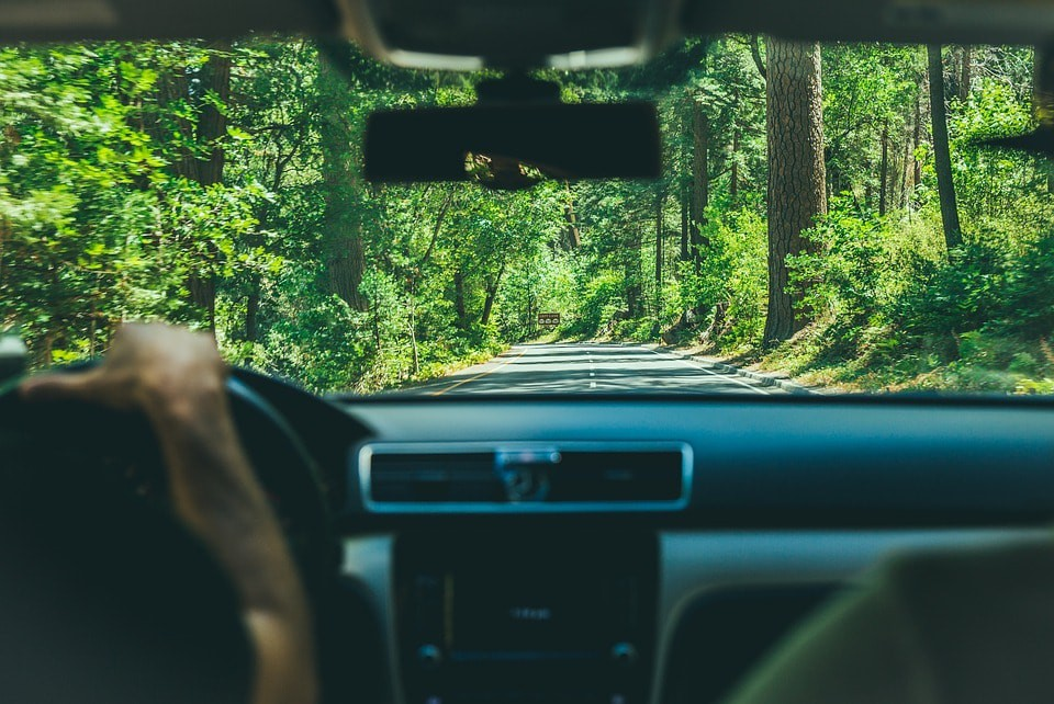 Driving on a Road Trip   © Pixabay