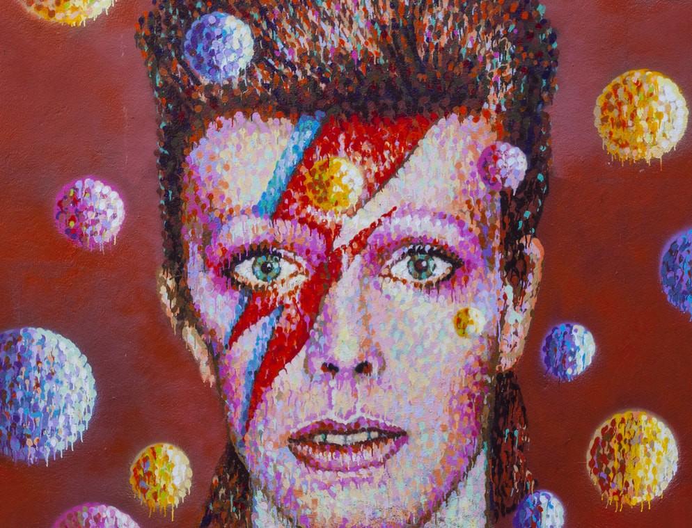 Graffiti of David Bowie as Ziggy Stardust   © Chris Dorney / Shutterstock