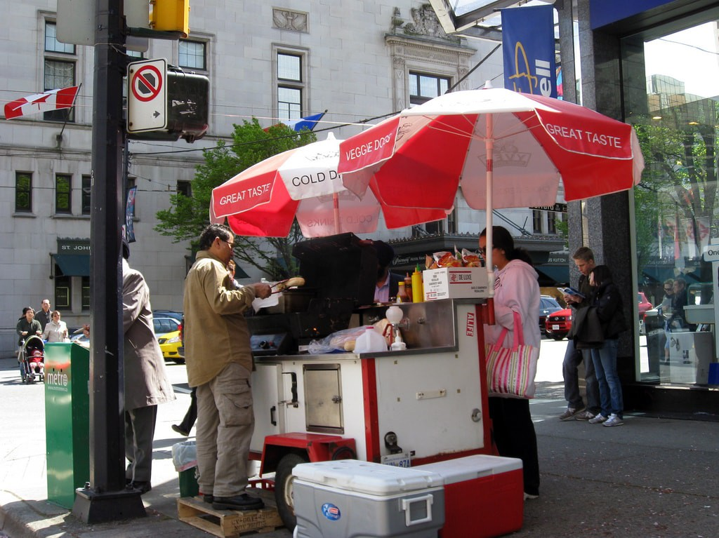 Hot dog carts are common in the plazas and parks of Puerto Rico